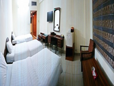 Akbar International - Standard Triple Room