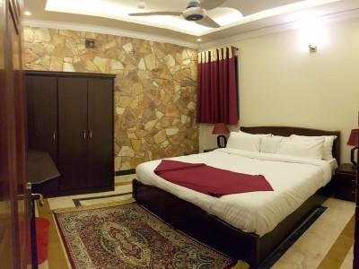 Triple One Hotel Suites - King Suite Room