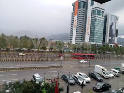 Crown Plaza Hotel Islamabad - Twin Bed Room