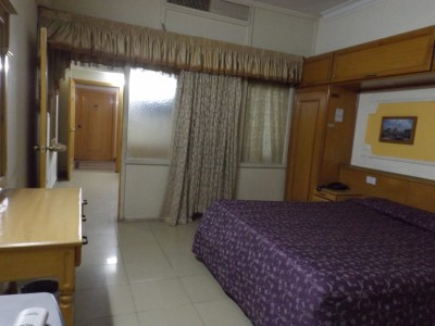 Hotel De Mall - Executive Room Suite 209