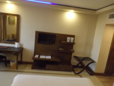 Shalimar Hotel Mall Road - King size bed