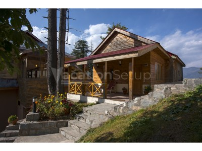 Arcadian Sprucewoods Shogran - Luxury Family Cottage