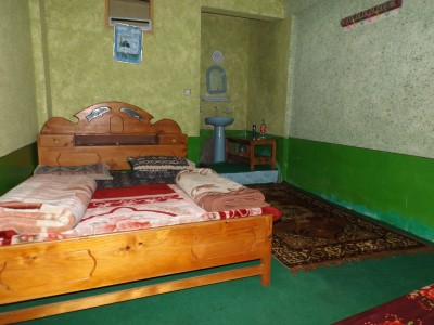Saqlain Guest House - Family Suite