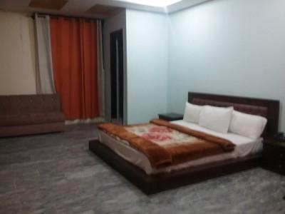 Deville Hotel - Master Bed Room
