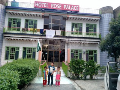 New Rose Hotel  Swat - Deluxe King Room