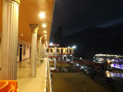 Mountain Track Hotel - Dual Double Bed Room