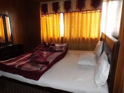 Al-Sana Hotel - Master Bed Room