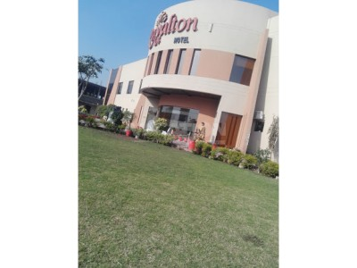 Royalton Hotel Faisalabad - Twin Bed Room