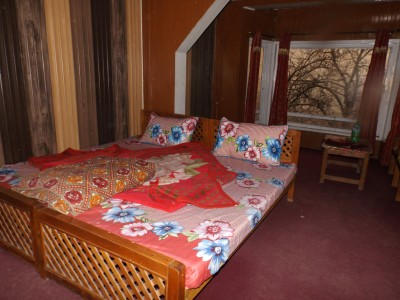 Faisal Hotel and Restaurant - Twin Bed Room