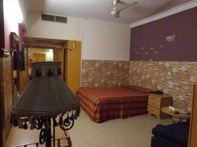Hotel De Mall - Standard Master Bedroom